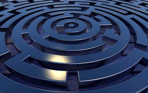 labyrinth-2037286_640